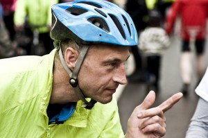 Graeme Obree makes his point (photo by Anthony Robson on flickr)